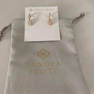 NWOT Kendra Scott earrings